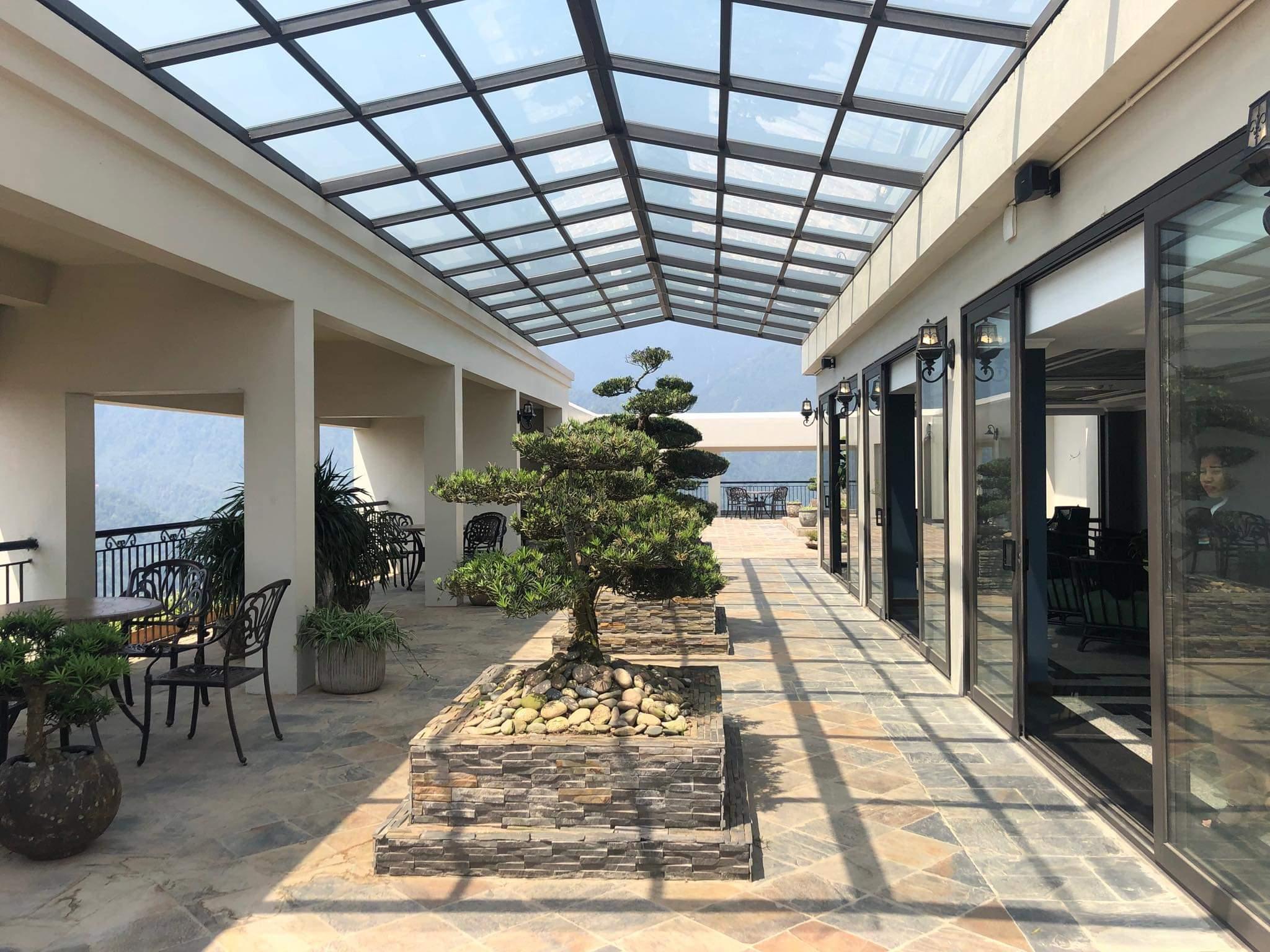 Nhung Quan Cafe View Dep O Thi Tran Sapa (2)