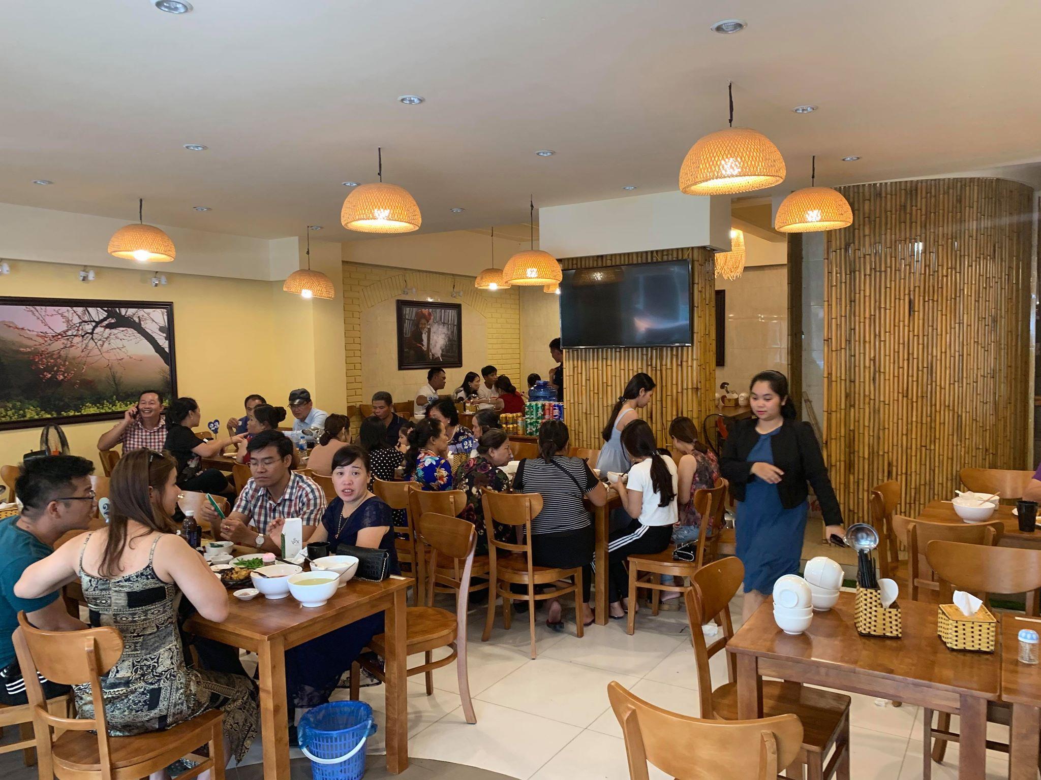 nhà hàng Già Bản Sapa