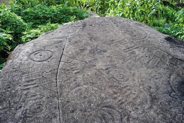 Giá Vé Bãi đá Cổ Sapa